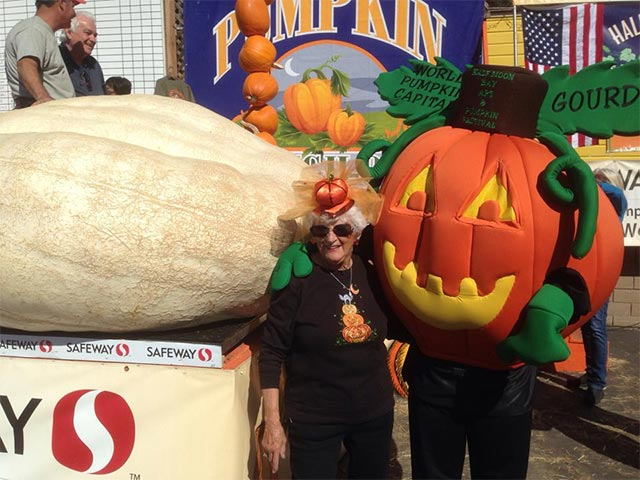 Half Moon Bay Pumpkin Festival 2020.About