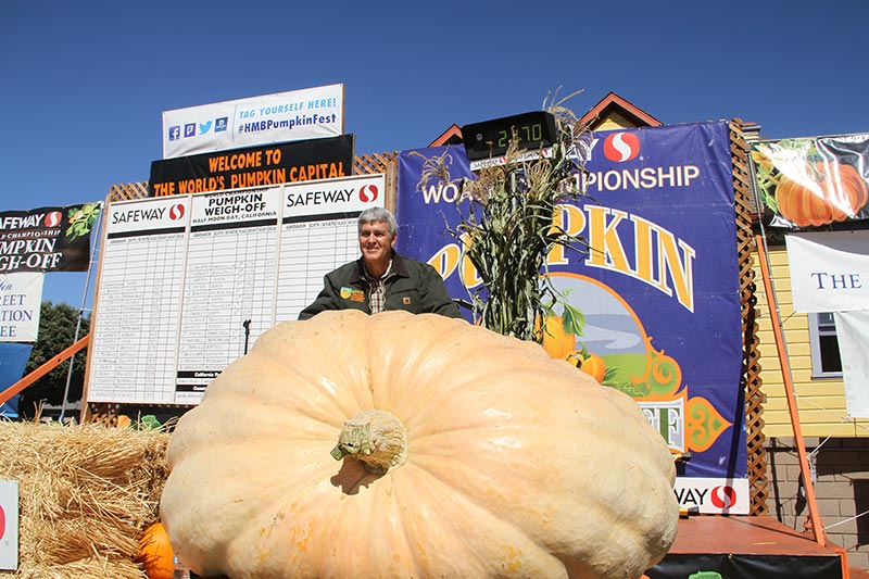 2018 Pumpkin Weigh Off 4 time winner Steve Daletas