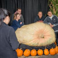 Photos with Grand Champion Gourd